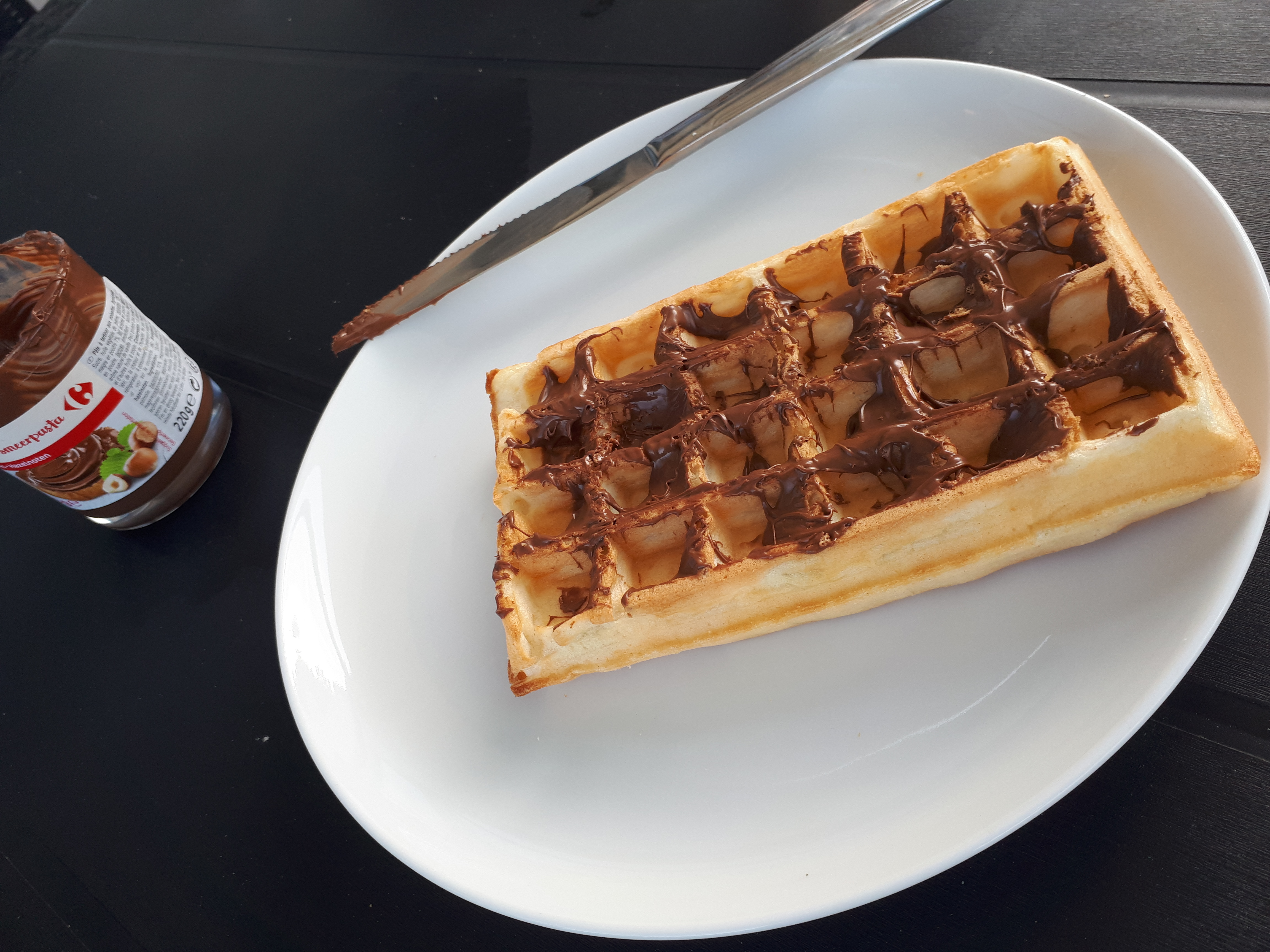 waffle and nutella