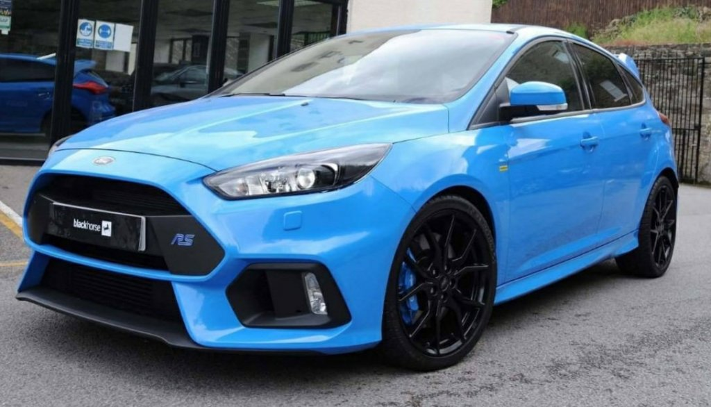 Bright blue Ford Focus RS (with Mountune stickers but not tuned)